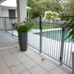 Simple aluminium pool fence